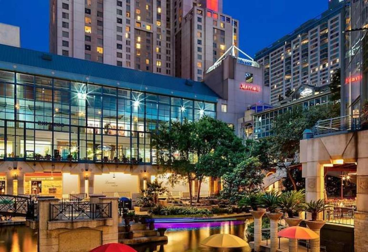 Marriott Riverwalk and Rivercenter Hotels